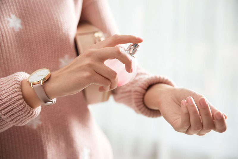 Jak utrwalić zapach perfum